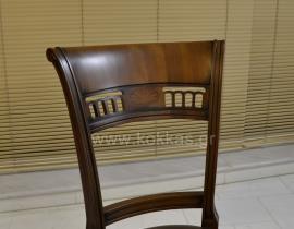 Καρέκλα  Πυθέας
